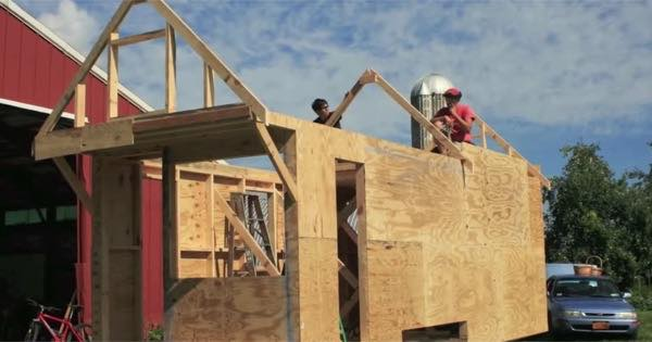 hammerstone-school-hands-on-tiny-house-carpentry-for-women-001
