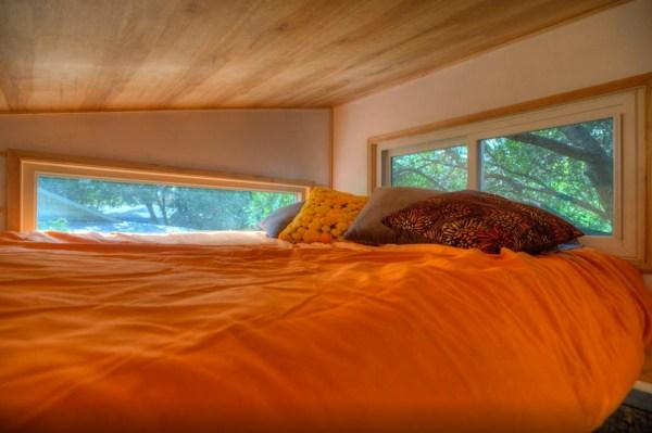 hip-tiny-house-vacation-in-austin-texas-00012