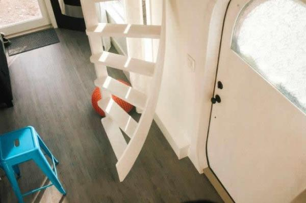 how-to-build-spiralling-ladder-for-your-tiny-house-loft-006