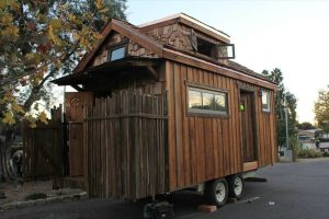 humble-hands-craft-tiny-house-by-ryan-o-donnell-001