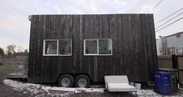 jay-austins-140-sq-ft-matchbox-tiny-home-on-wheels-006