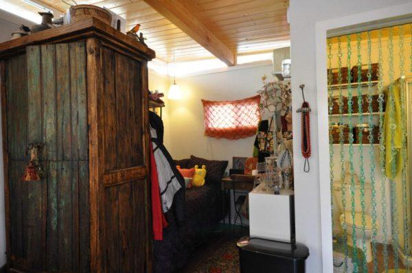 kanga-280-sq-ft-tiny-home-in-the-city-11