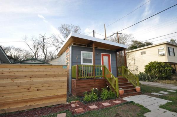 kanga-280-sq-ft-tiny-home-in-the-city-14