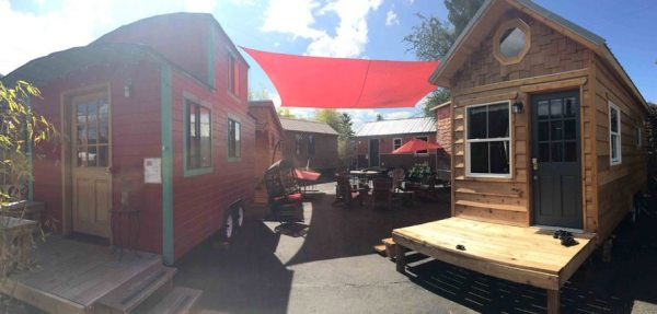 kangablue-170-sq-ft-tiny-house-on-wheels-at-caravan-hotel-0010