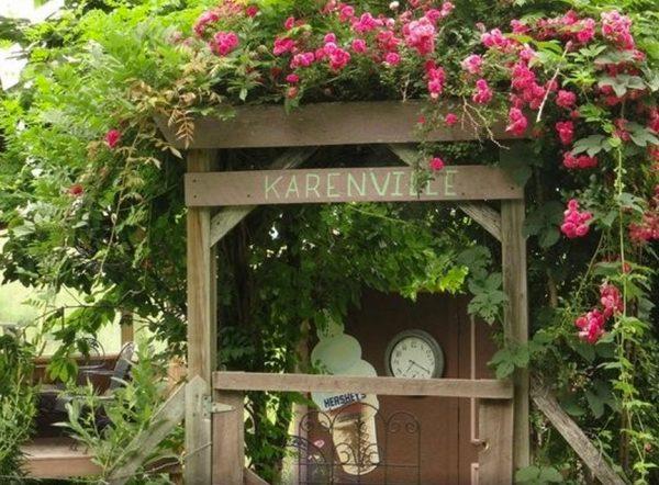 karenville-micro-house-village-0014