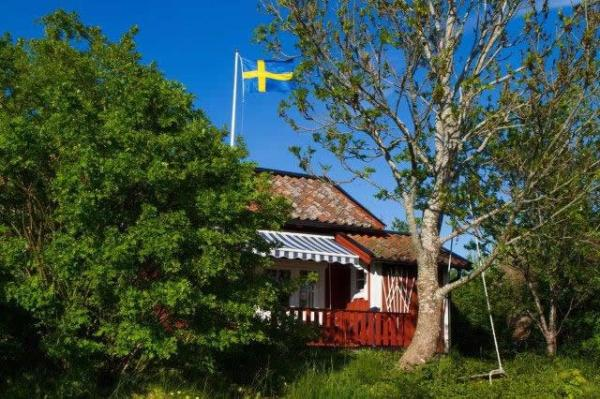 little-village-cottage-sweden-032