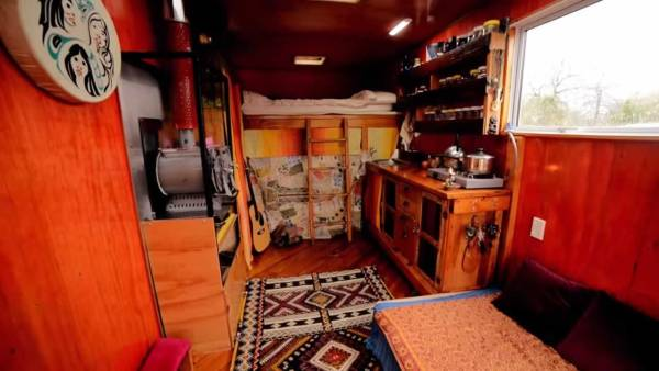 living-simply-in-tiny-housetruck-conversion-002