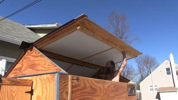 man-builds-cheap-micro-camper-008