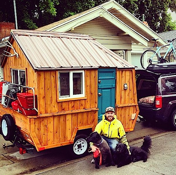 man-converts-pop-up-camper-into-diy-micro-cabin-on-wheels-0007