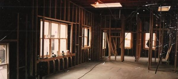 man-renovates-abandoned-brooklyn-home-005