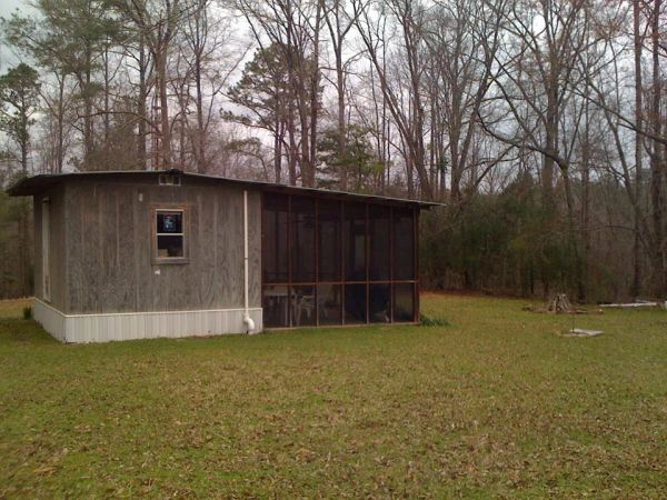 mans-diy-tiny-cabin-for-affordable-living-03