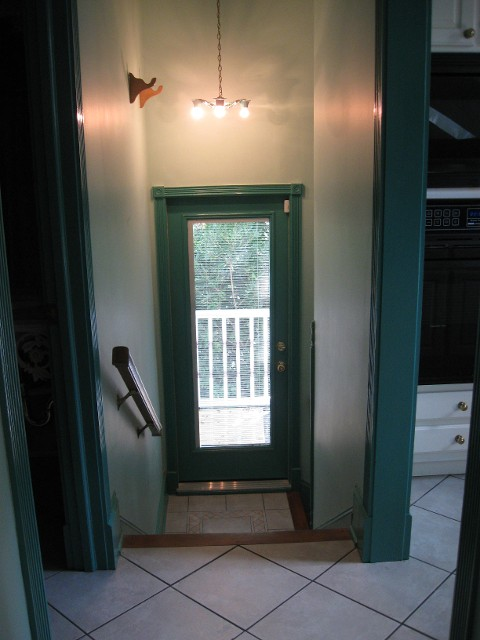 natashas-suite-historic-garage-to-little-house-carriage-home-conversion-0008