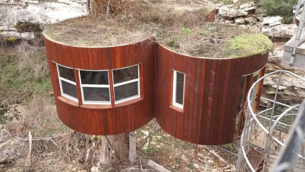 nest-tree-house-in-cypress-valley-013