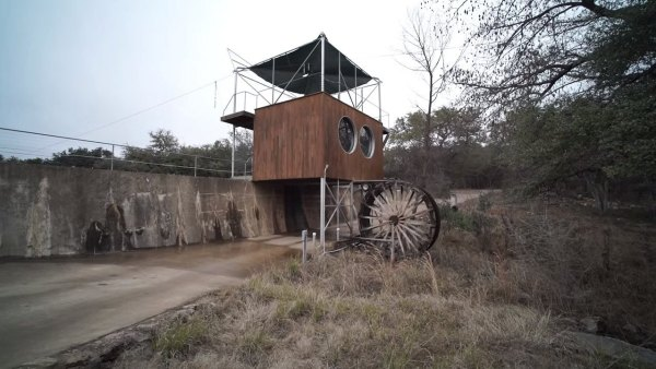 nest-tree-house-in-cypress-valley-017