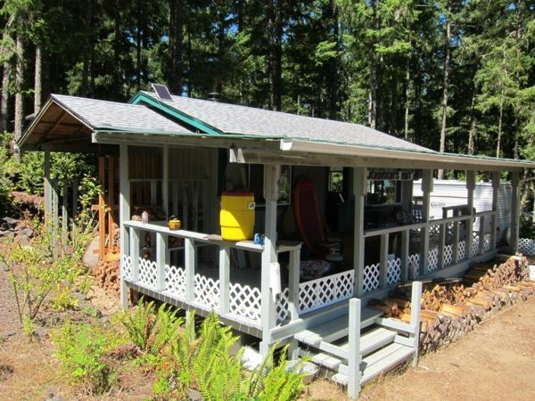 off-grid-tiny-cabin-for-sale-007