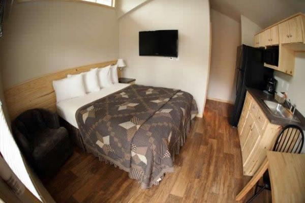 pecos-deluxe-tiny-cabins-009