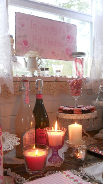 Tonita's Pink Christmas Tiny House (18)