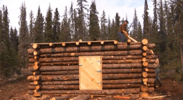 pioneer-log-cabin-building-18