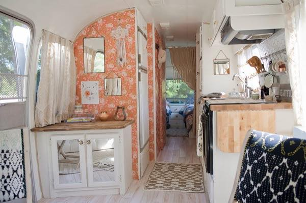 renovated-airstream-with-anthropologie-and-sarah-schneider-003