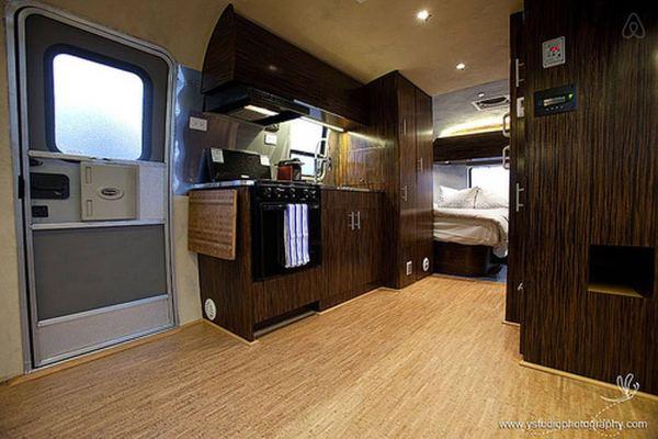 renovated-eco-airstream-vacation-003