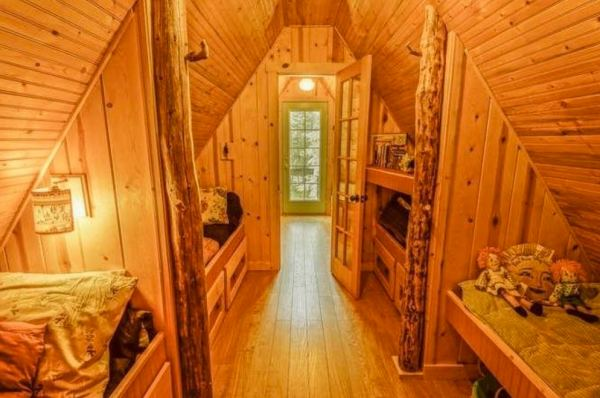 riverfront-tiny-cabin-in-the-woods-for-sale-010