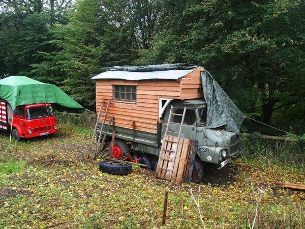 Rob Maison's Housetruck Tiny House (1)