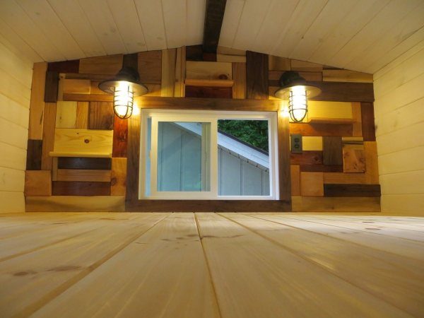 robins-nest-tiny-house-on-wheels-by-brevard-tiny-homes-00022