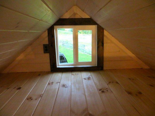 robins-nest-tiny-house-on-wheels-by-brevard-tiny-homes-0009