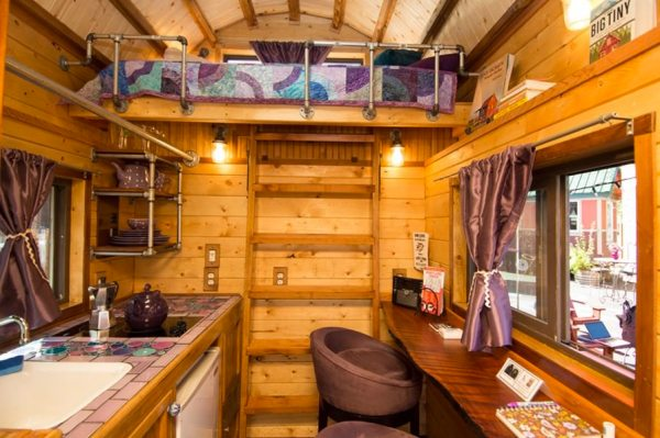 roly-poly-80-sq-ft-tiny-house-vacation-portland-oregon-002