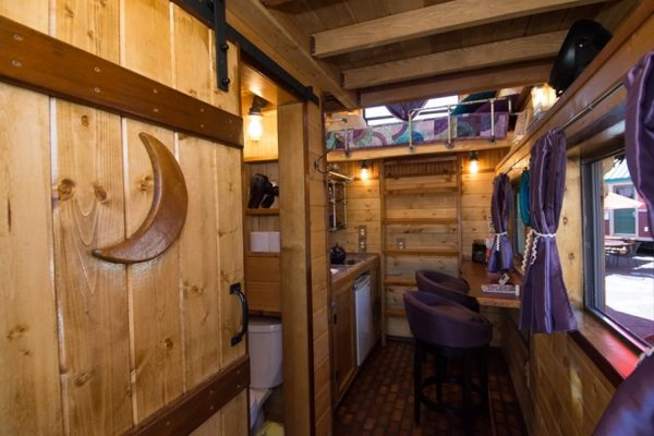 roly-poly-80-sq-ft-tiny-house-vacation-portland-oregon-006