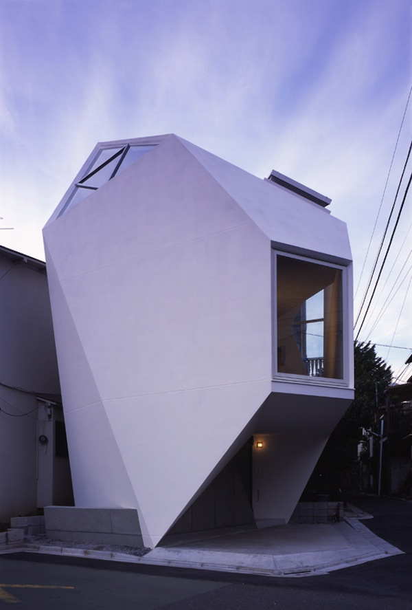 Really Unique Small House in Tokyo