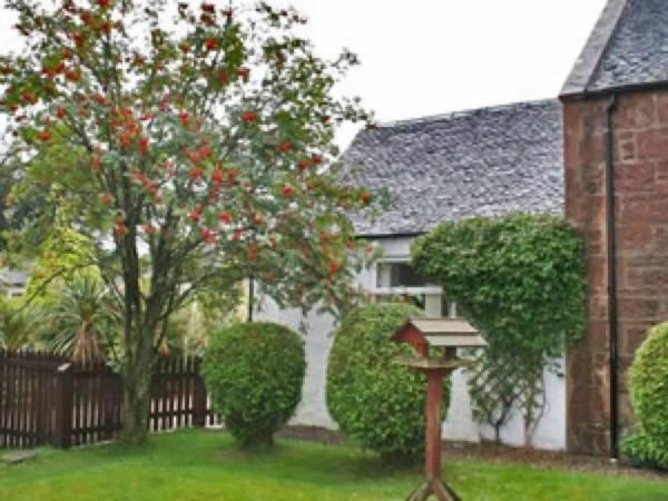 rowanbank-cottage-scotland-001