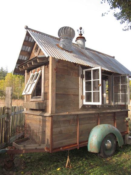 rustic-vintage-tiny-house-on-wheels-01