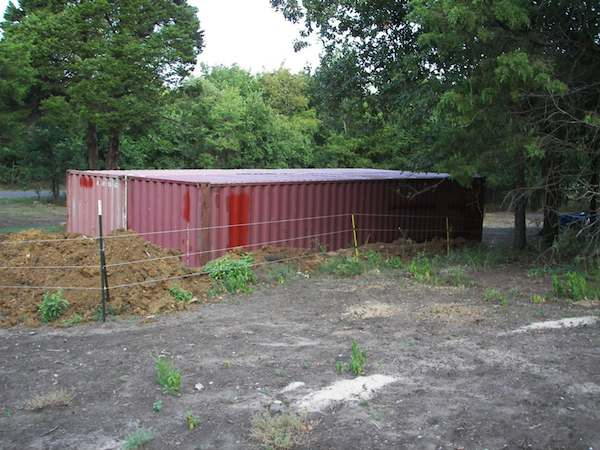 sea-shipping-container-cabin-003