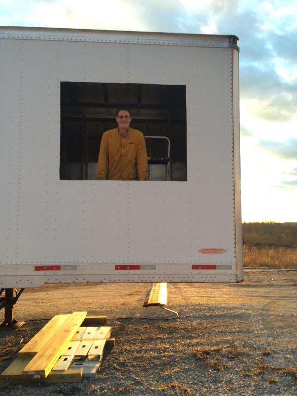 semi-trailer-tiny-house-03