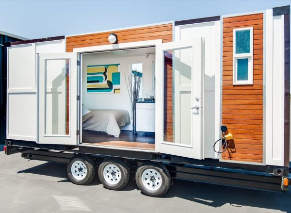 shipping-container-to-tiny-home-on-wheels-conversion-001