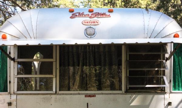 silverstreak-30-travel-trailer-to-cabin-renovations-05