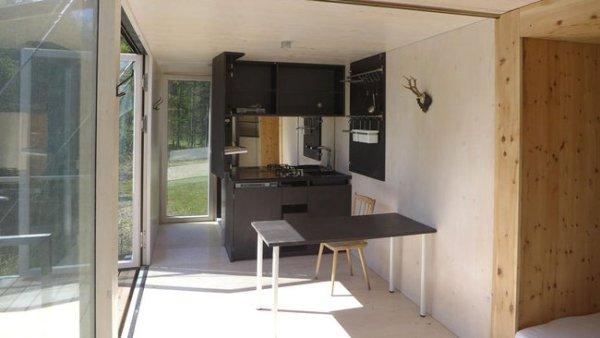 simple-home-portable-tiny-house-on-stilts-05