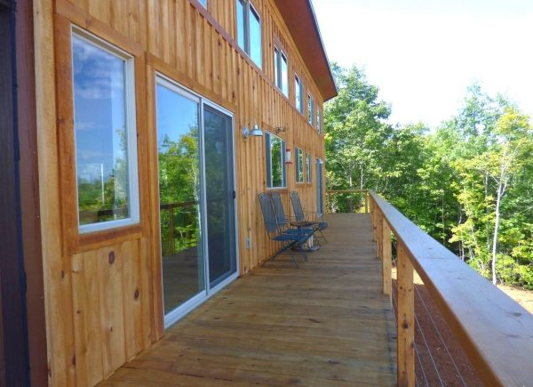 simply-home-nc-couples-704-sq-ft-cabin-003