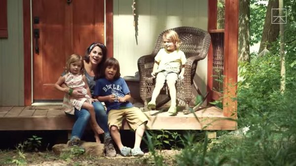 Single Mom of 3 Buys Land and Builds Tiny Home