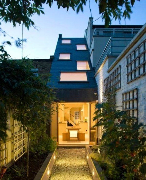 7.5 Ft. Wide Three-Story Terrace House