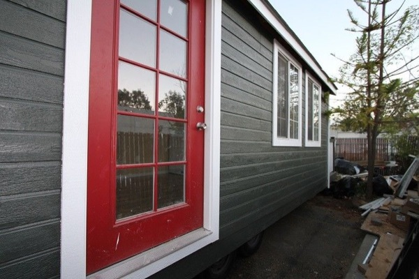 so-cal-200-sq-ft-tiny-cottage-for-sale-004