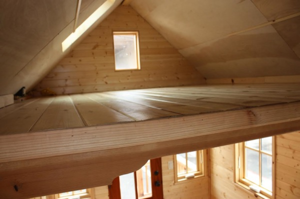 solar-off-grid-tiny-house-for-sale-built-by-high-school-students-007