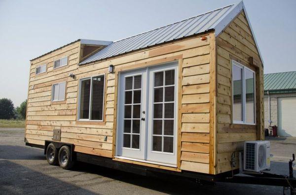 Spacious tiny house on wheels by tiny idahomes for Casa floor