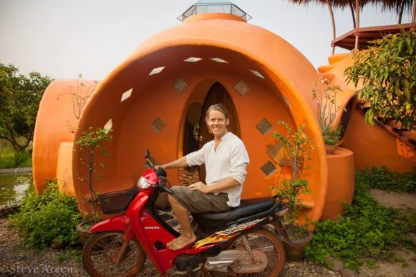 steve-areen-tiny-dome-home-in-thailand-0012