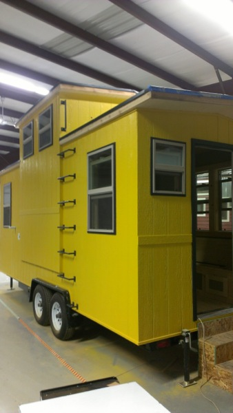 Stew MacInnes Second Tiny House for Workers in Oil Fields (1)