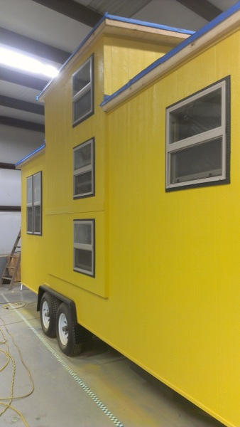 Stew MacInnes Second Tiny House for Workers in Oil Fields (2)