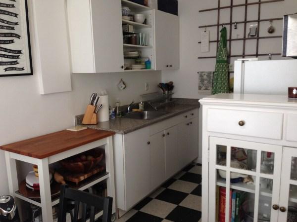 studio-apartment-kitchen1