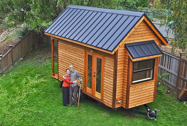 Tiny House Dating: Tammy and Logan Couple Living in a Tiny Home