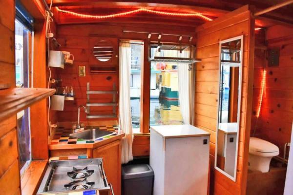 tao-tiny-houseboat-lake-union-smallhousebliss-008